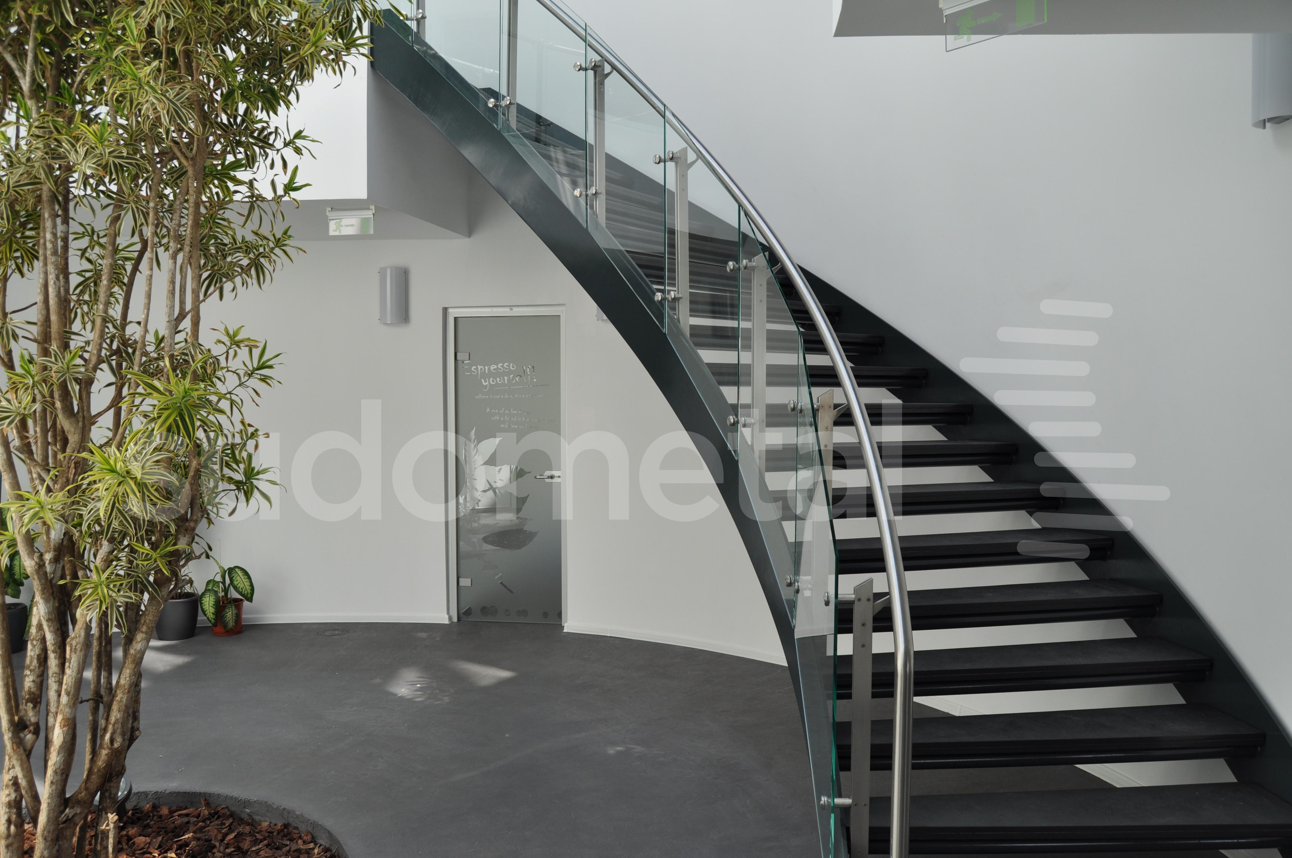Balustrade din inox-sticla - Balustrade sediu companie SECOM SUDOMETAL - Poza 2
