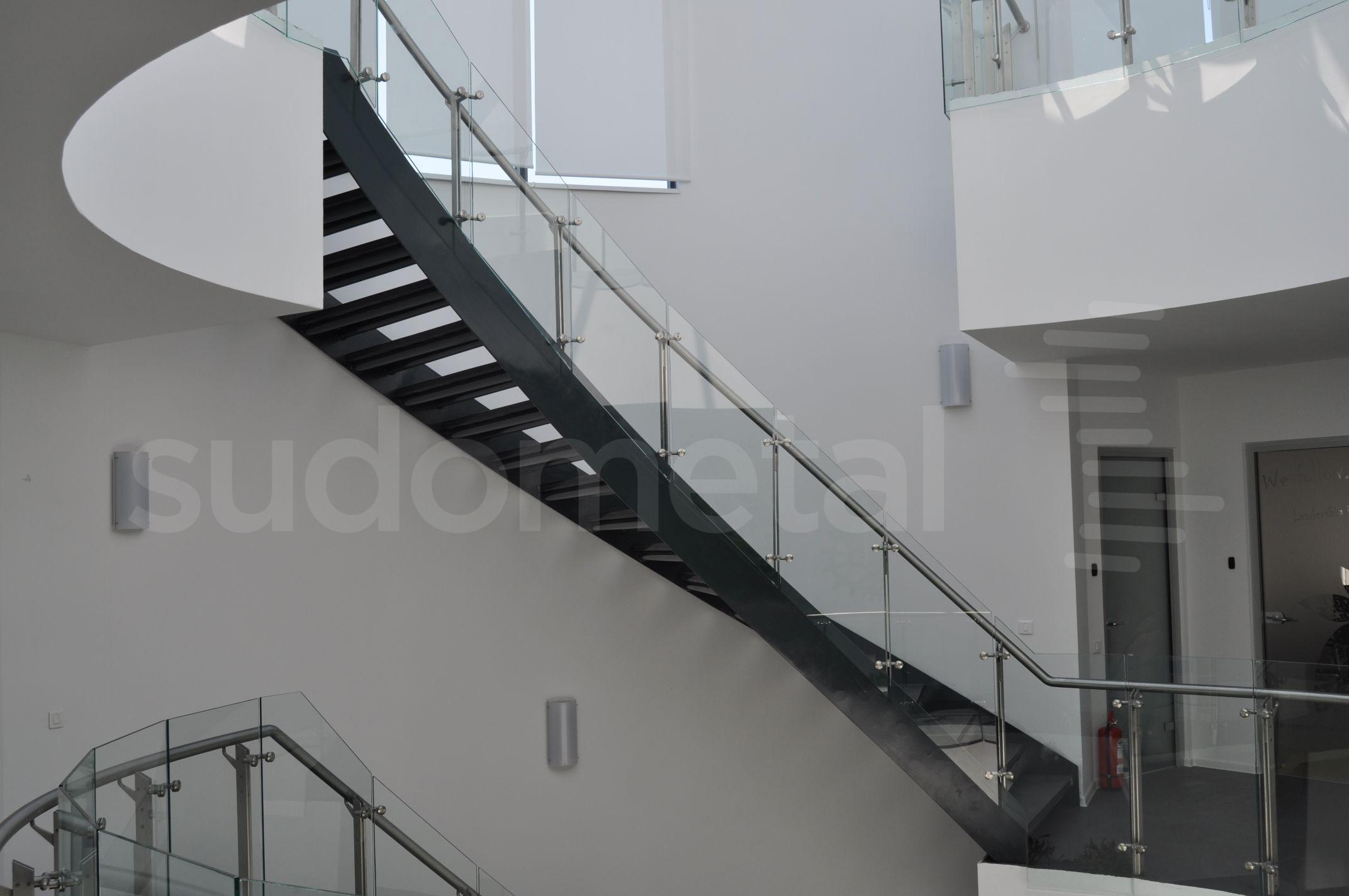 Balustrade din inox-sticla - Balustrade sediu companie SECOM SUDOMETAL - Poza 8