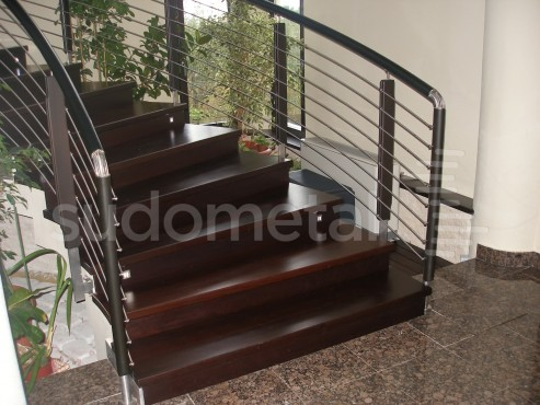 Balustrade din inox-lemn - Balustrada casa particulara Iasi SUDOMETAL - Poza 1