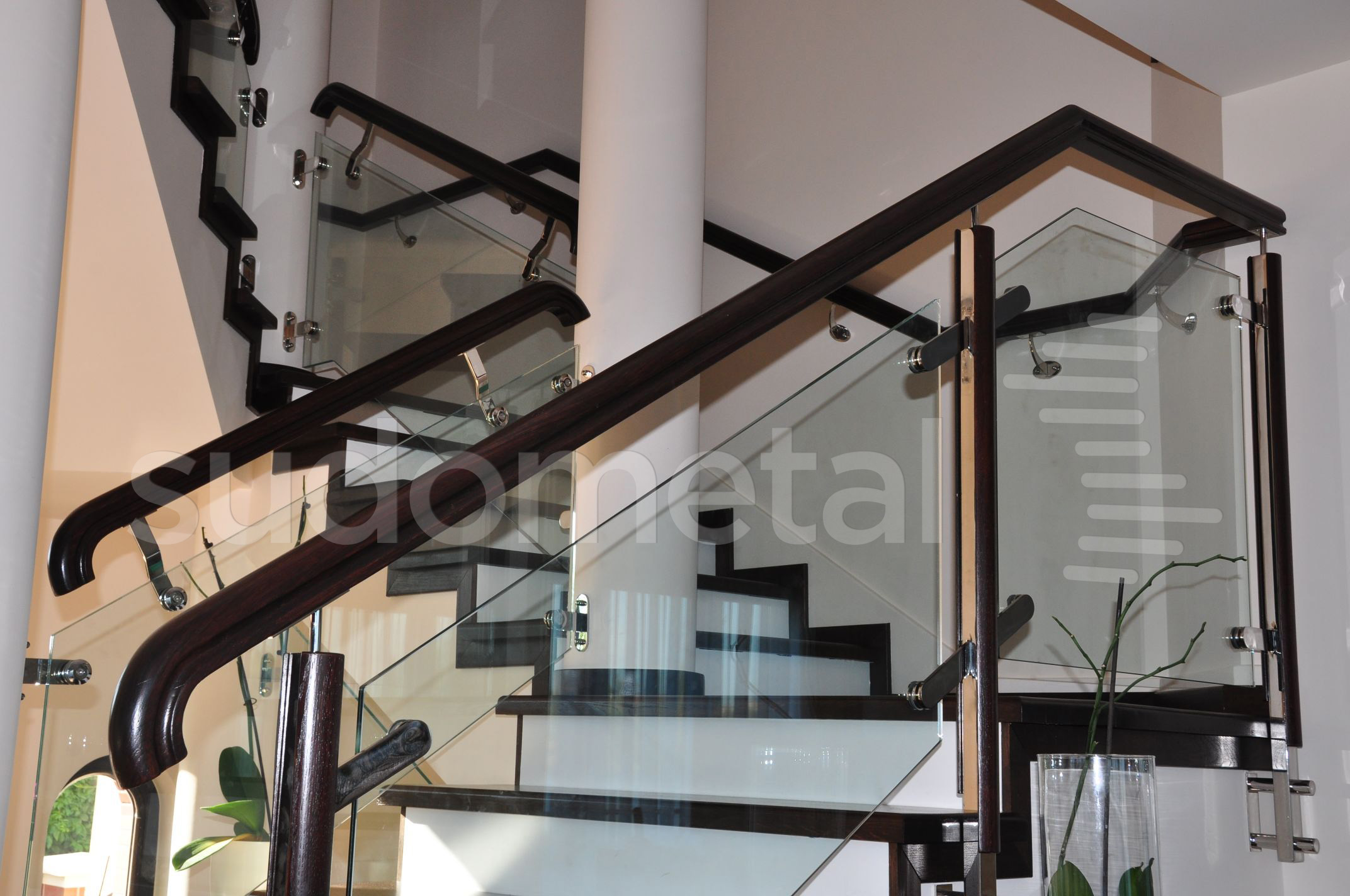 Balustrade din inox-lemn - Balustrada casa particulara Bucuresti SUDOMETAL - Poza 1