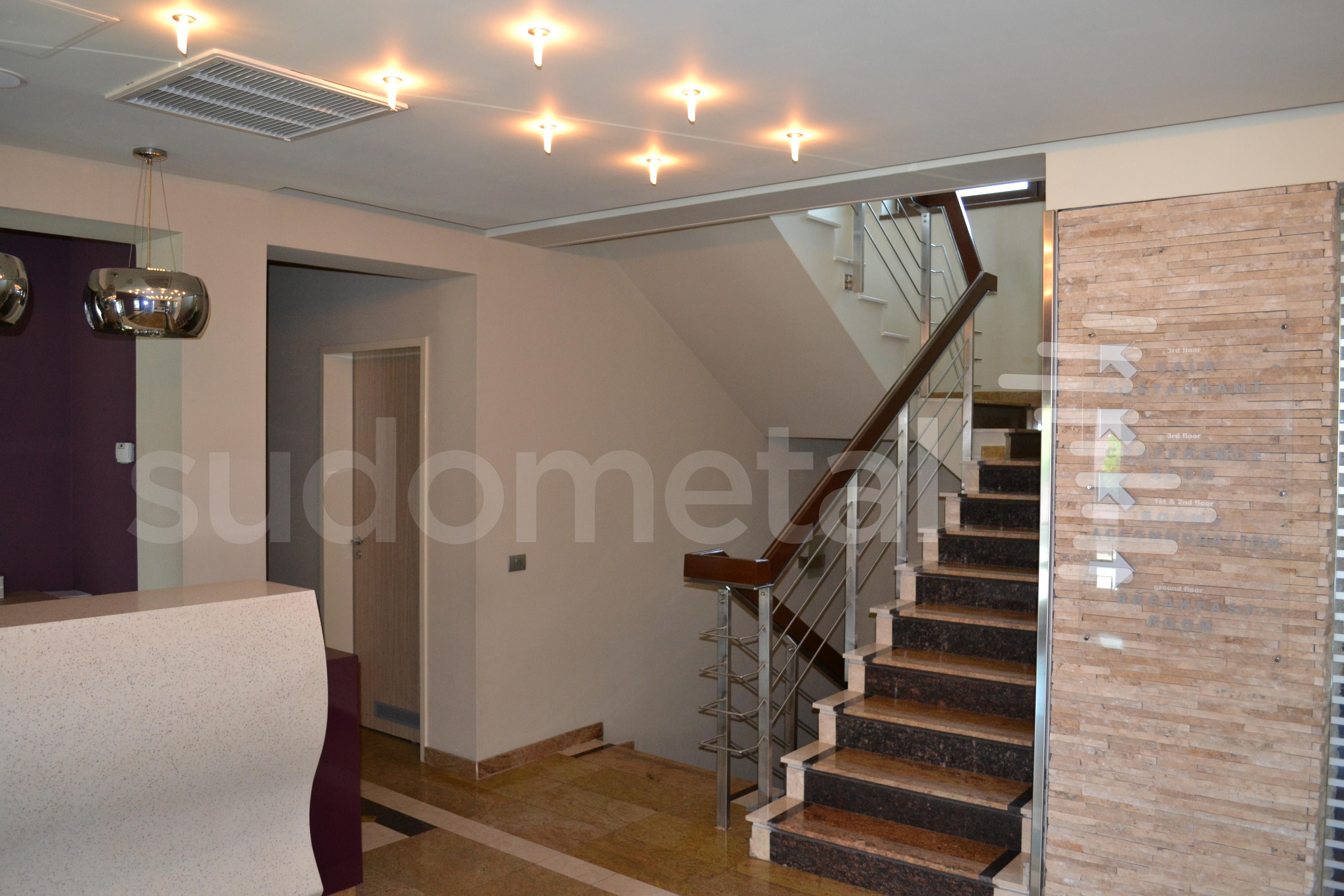 Balustrade din inox-lemn - Balustrada Hotel Tolea SUDOMETAL - Poza 2