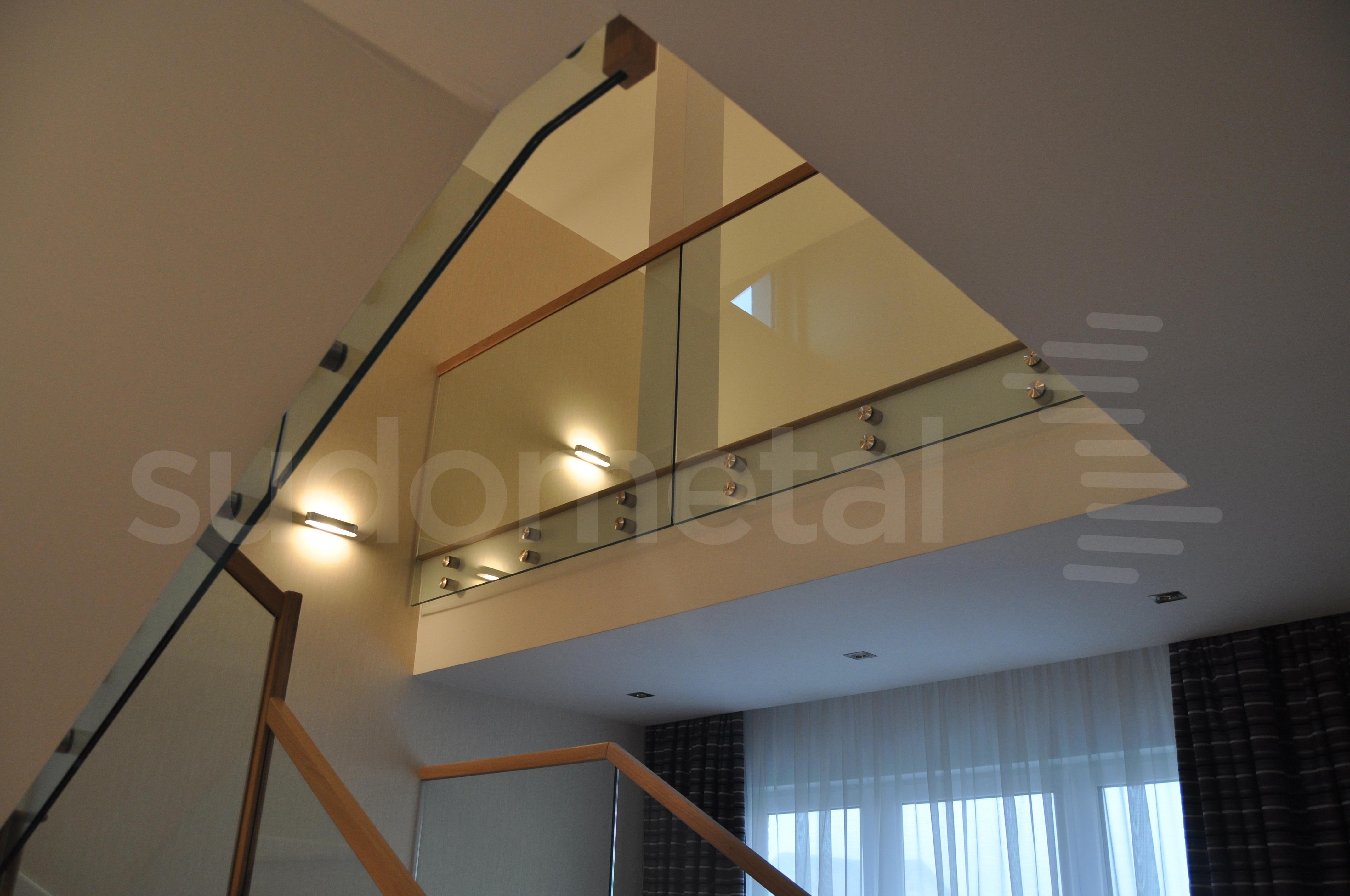 Balustrade din sticla - Balustrada casa particulara Otopeni SUDOMETAL - Poza 1