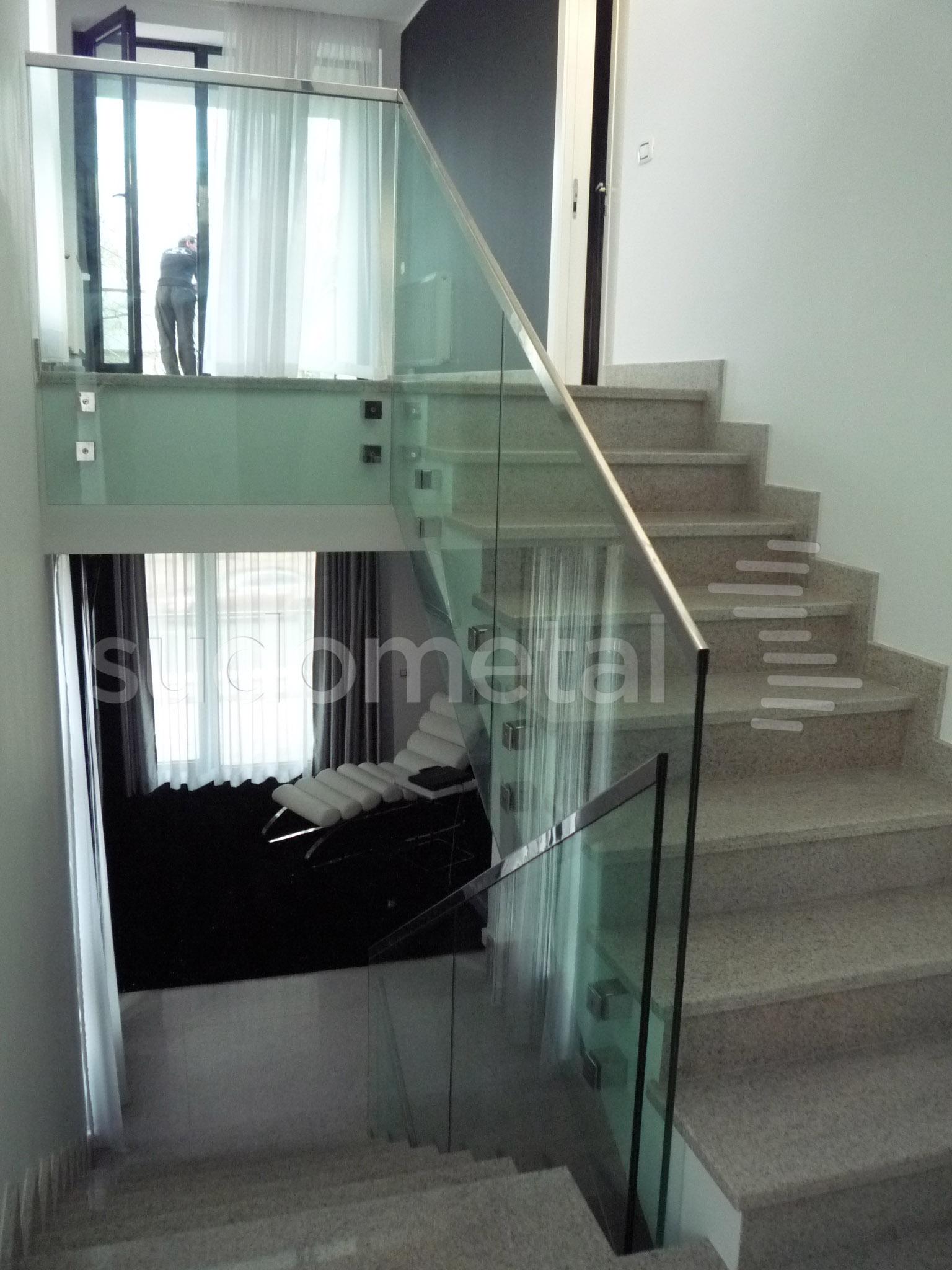 Balustrade din sticla - Balustrada casa particulara Galati SUDOMETAL - Poza 1