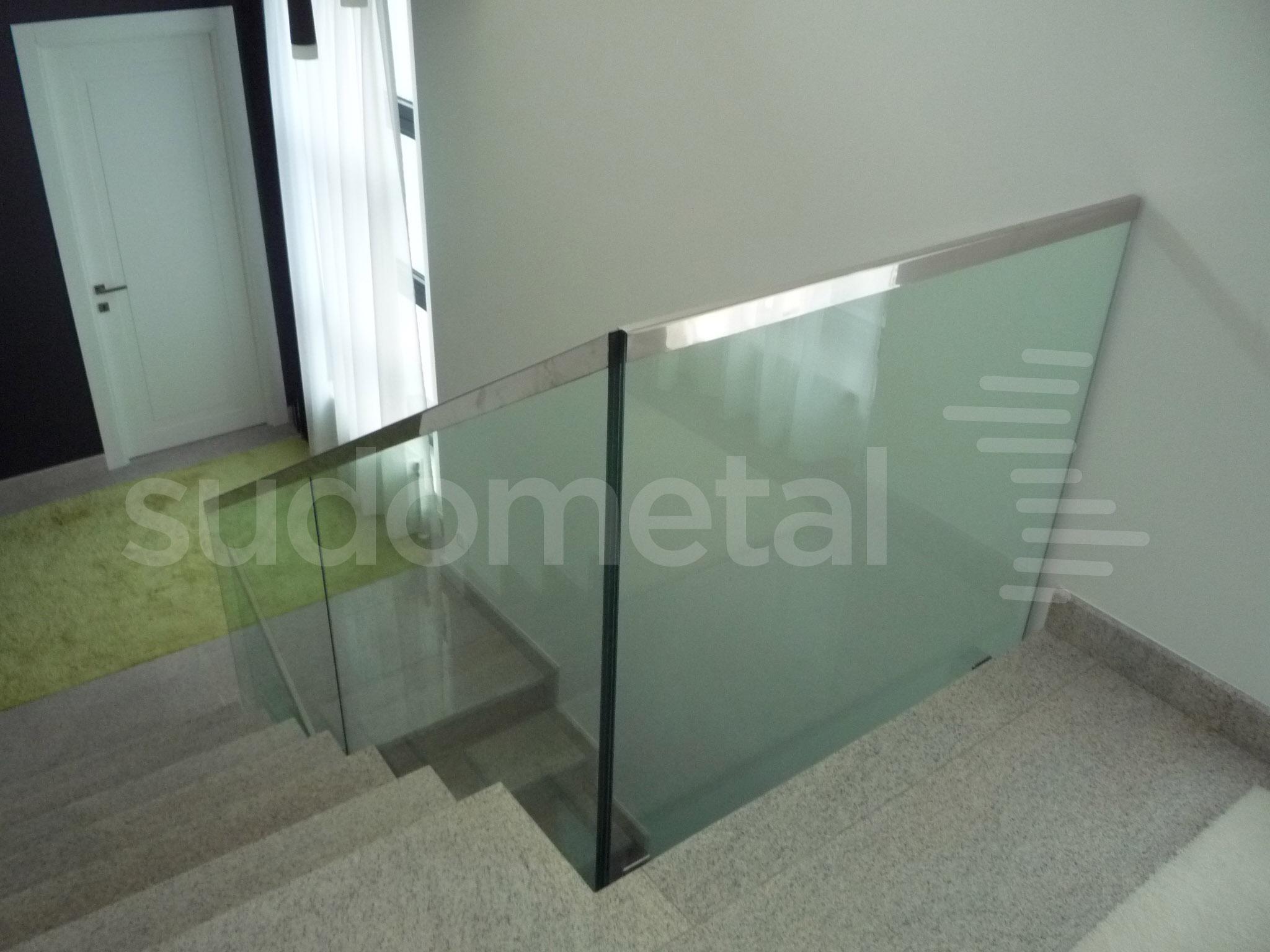 Balustrade din sticla - Balustrada casa particulara Galati SUDOMETAL - Poza 2
