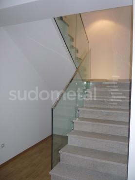 Balustrade din sticla - Balustrada casa particulara Galati SUDOMETAL - Poza 6