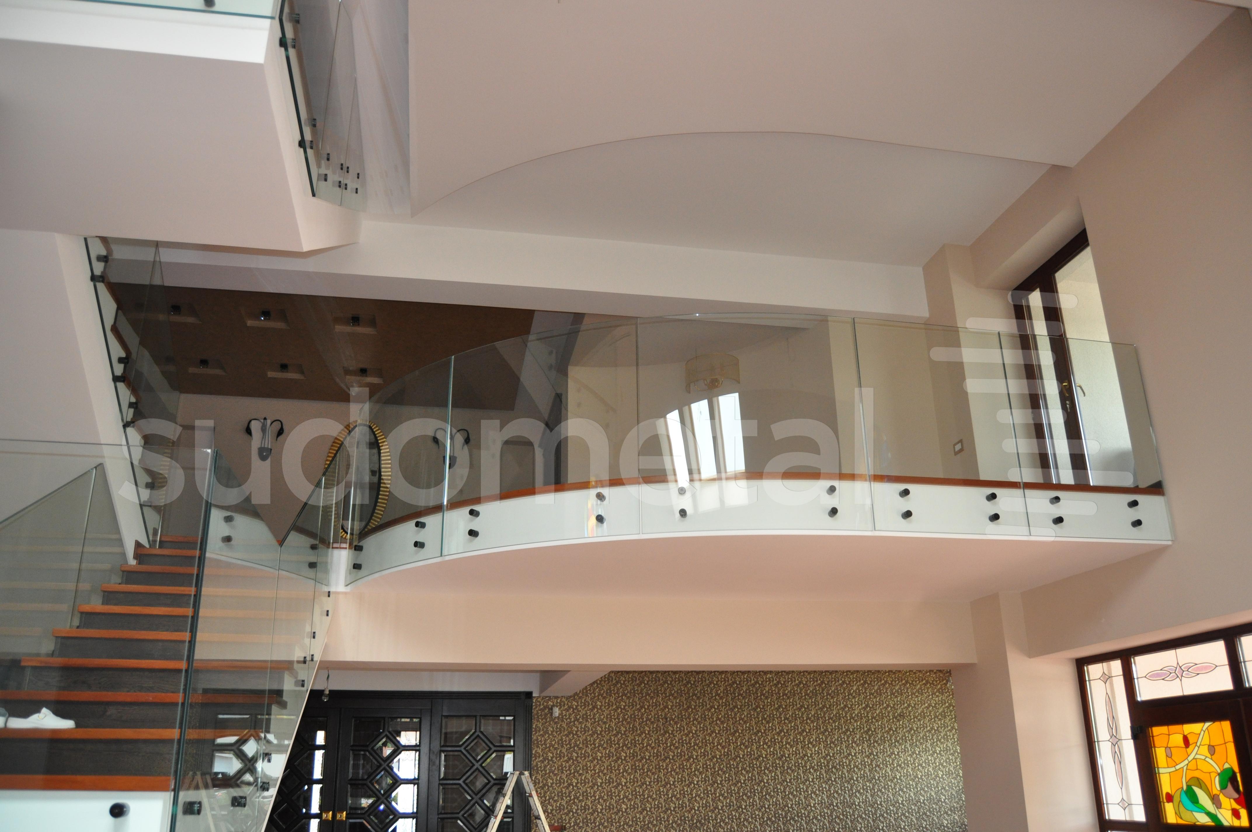 Balustrade din sticla - Balustrada din sticla curba casa particulara Bacau SUDOMETAL - Poza 1