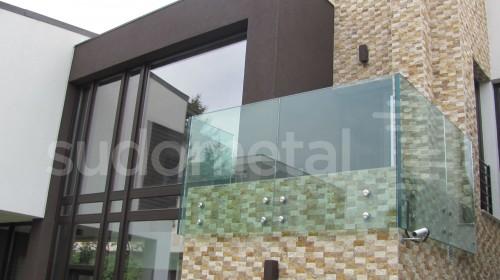Balustrade din sticla - Balustrada din sticla tripla casa particulara Bacau SUDOMETAL - Poza 6