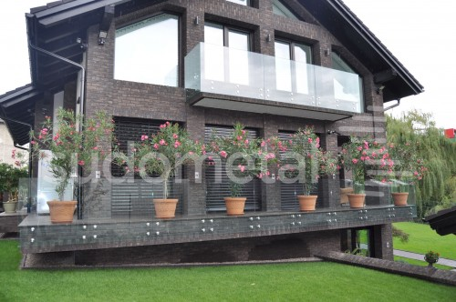 Balustrade exterioare - Balustrade din sticla casa particulara Suceava SUDOMETAL - Poza 2