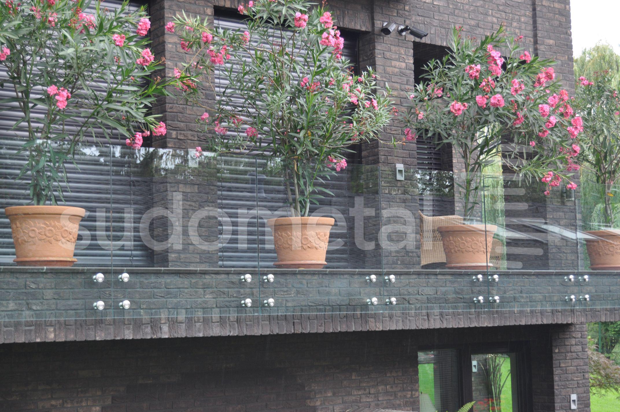 Balustrade exterioare - Balustrade din sticla casa particulara Suceava SUDOMETAL - Poza 3