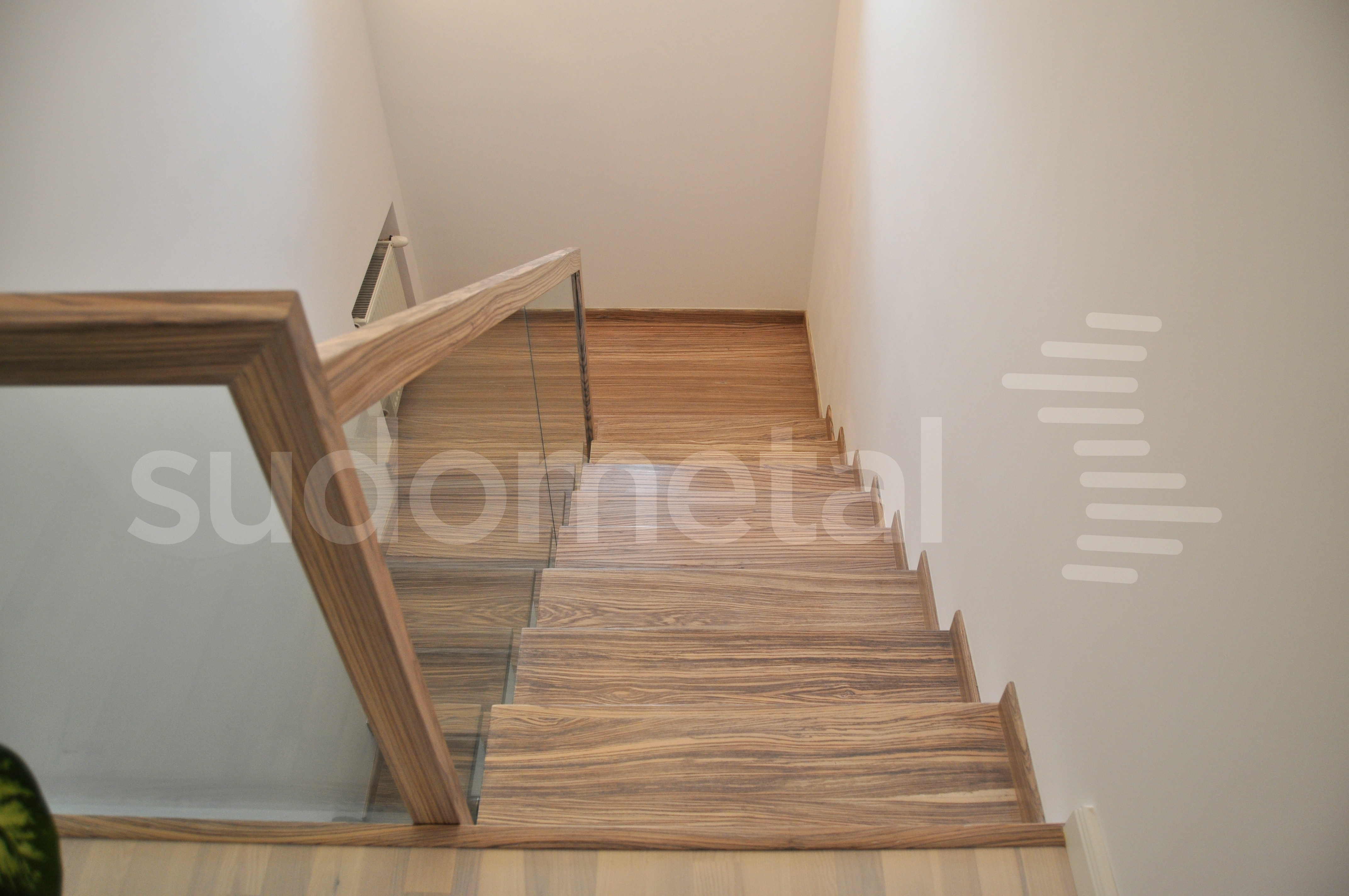 Balustrade, maini curente placate cu lemn SUDOMETAL - Poza 2