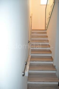 Balustrade, maini curente placate cu lemn SUDOMETAL - Poza 5