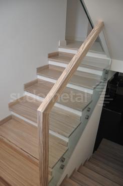 Balustrade, maini curente placate cu lemn SUDOMETAL - Poza 8