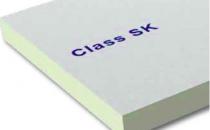 Sisteme termoizolante PIR Class SKeste panou termoizolant de inalta performanta din spuma rigida de poliizocianurat, fara CFC sau HCFC, caserat cu invelis din fibra de sticla saturata pe ambele fete.