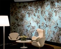 Mozaic Bisazza, este renumit la nivel mondial pentru mozaicurile uimitoare prezentate publicului larg an an, iar show-room-urile lor, raspandite pe intreg mapamondul sunt marturii ale ingeniozitatii, sau ale opulentei, sau al spiritului clasic, in functie de fiecare client. Aurul se regaseste in multe dintre mozaicurile lor, oferind o nota aparte respectivelor decoratiuni.Bisazzaeste unul din brandurile de top din sectorul de design de lux si al producatorilor de mozaic din sticla si decoratiuni de interior si exterior.