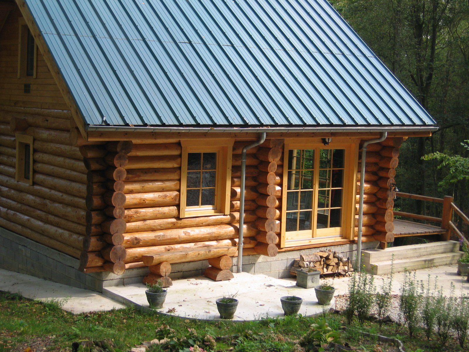 Lucrari de referinta case din lemn rotund natural living for Foto case americane