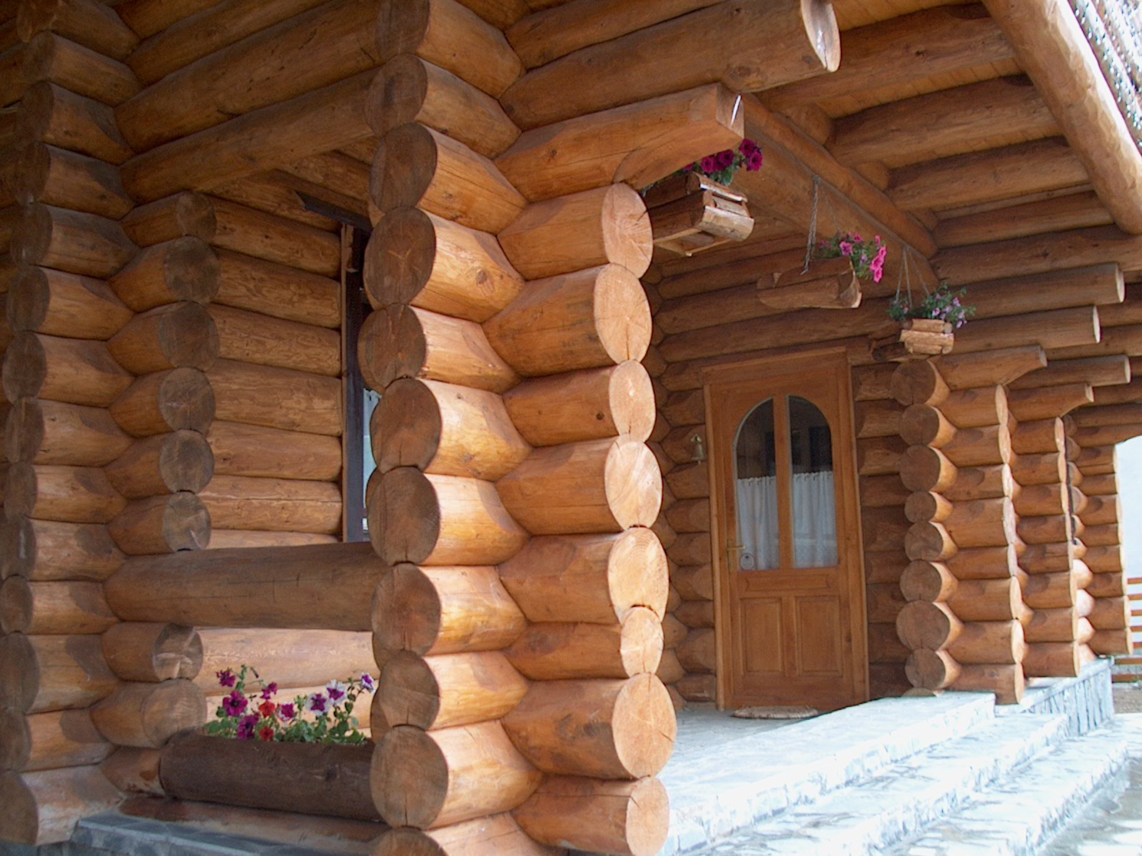 Case din lemn rotund NATURAL LIVING - Poza 15