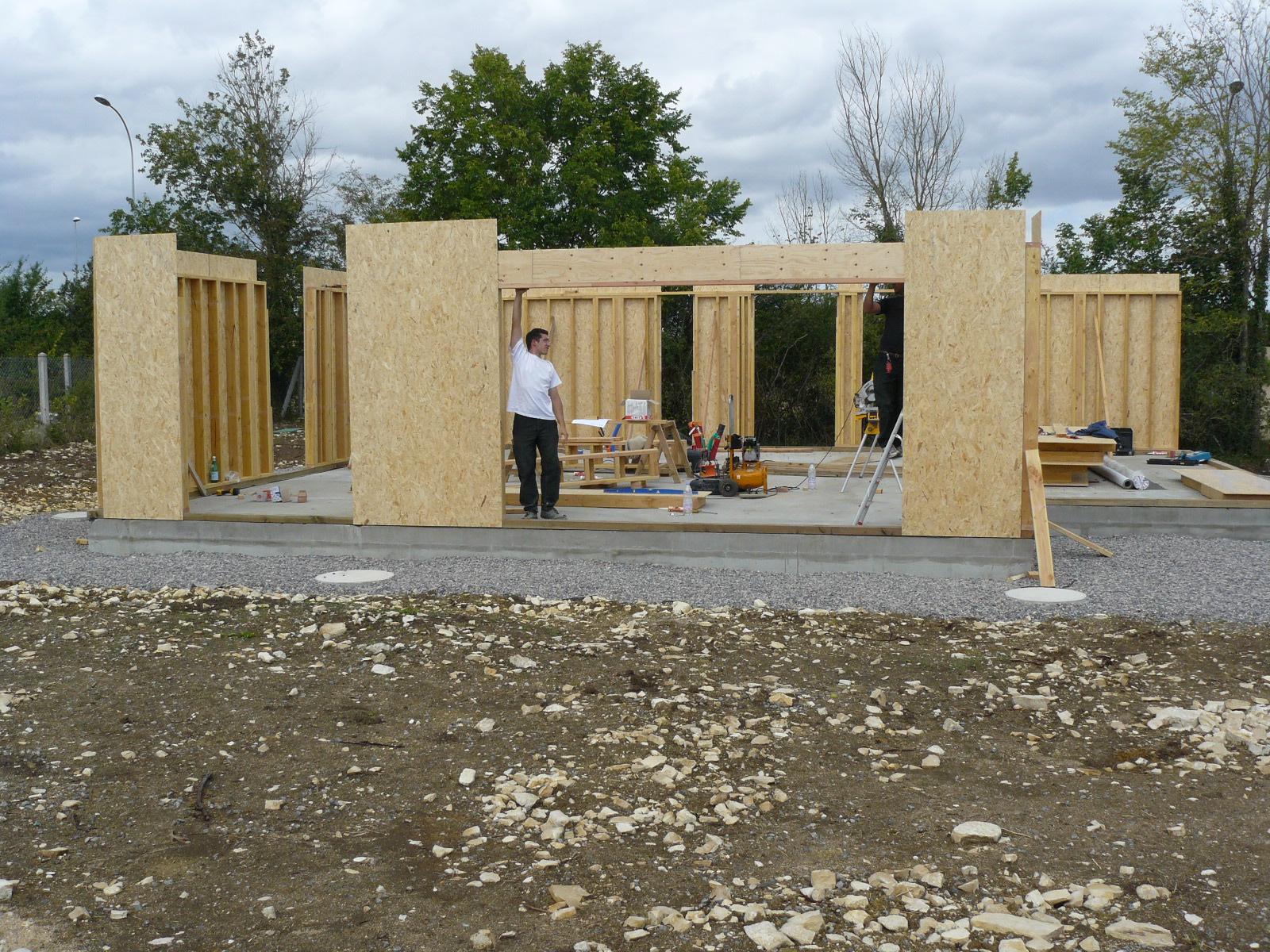 Fazele constructive ale unei case din lemn la cheie NATURAL LIVING - Poza 7