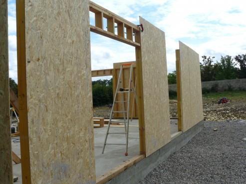 Fazele constructive ale unei case din lemn la cheie NATURAL LIVING - Poza 9
