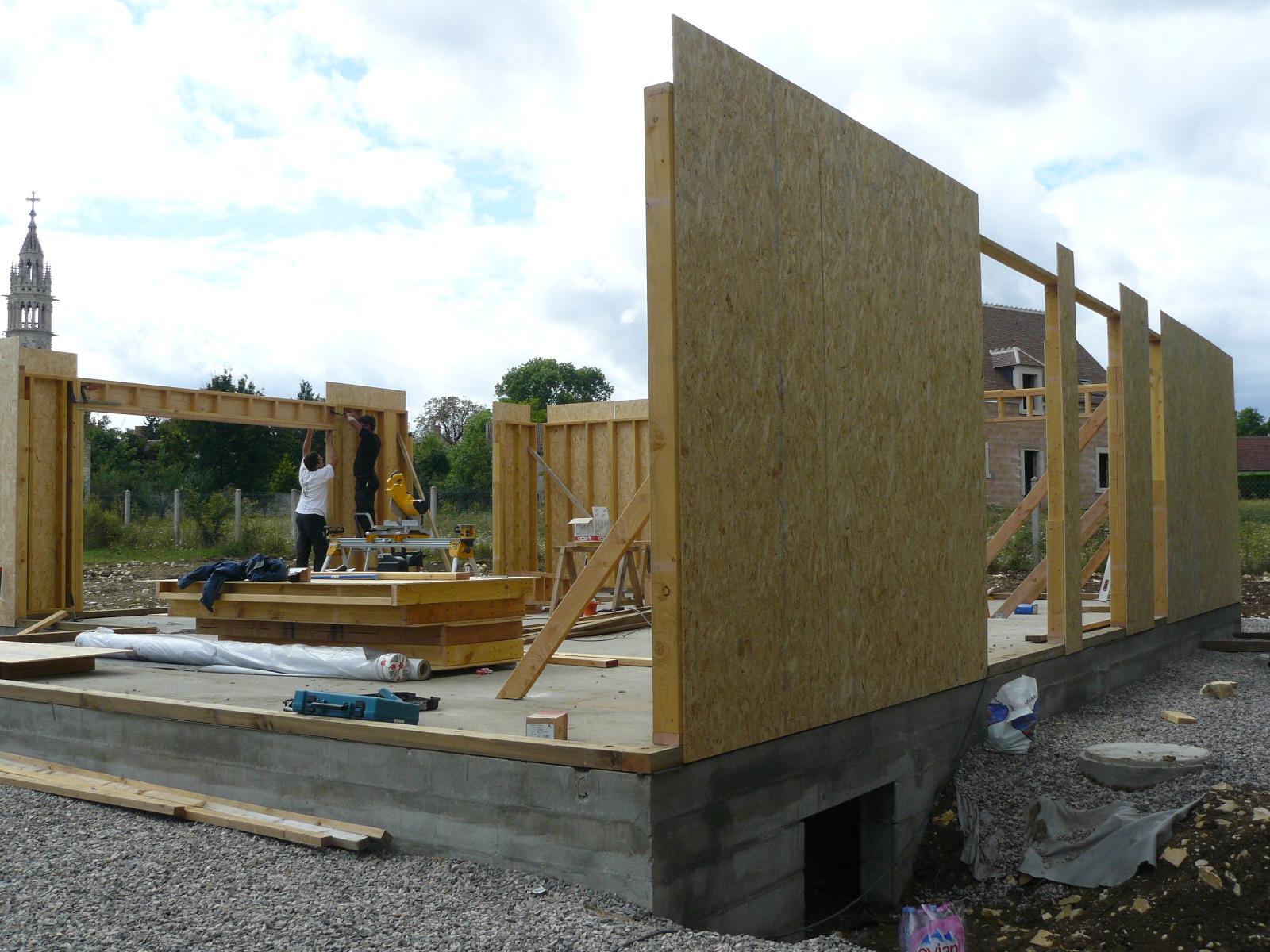 Fazele constructive ale unei case din lemn la cheie NATURAL LIVING - Poza 11