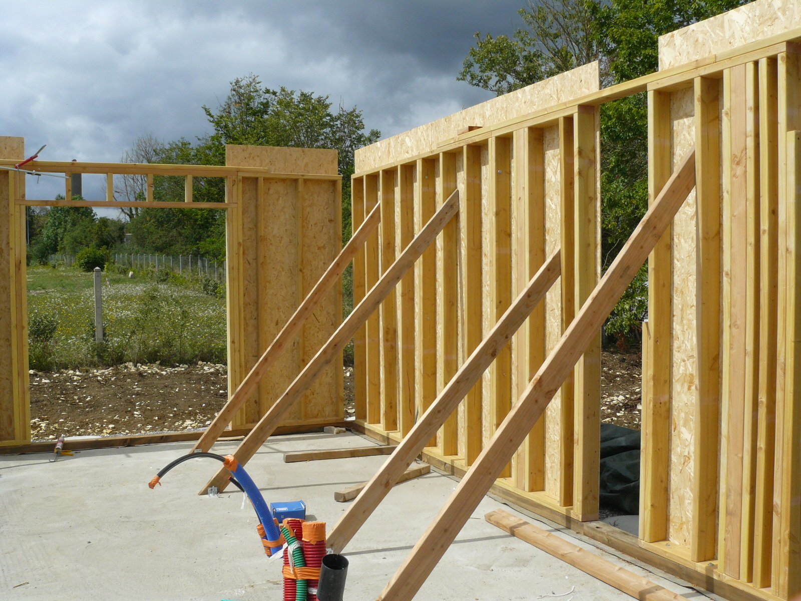 Fazele constructive ale unei case din lemn la cheie NATURAL LIVING - Poza 13