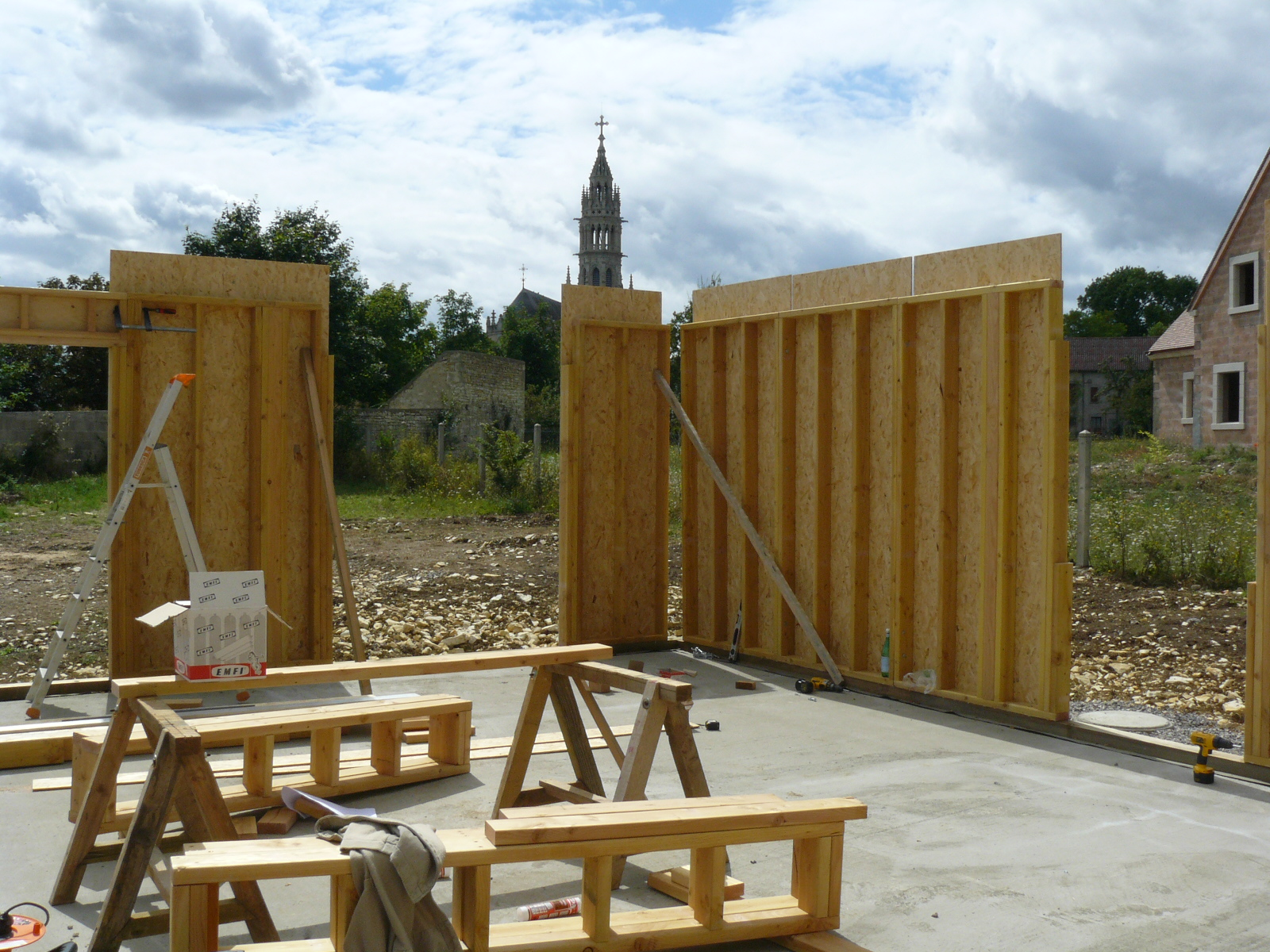Fazele constructive ale unei case din lemn la cheie NATURAL LIVING - Poza 15