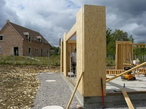 Fazele constructive ale unei case din lemn la cheie NATURAL LIVING - Poza 17