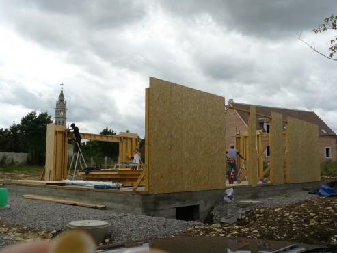 Fazele constructive ale unei case din lemn la cheie NATURAL LIVING - Poza 18