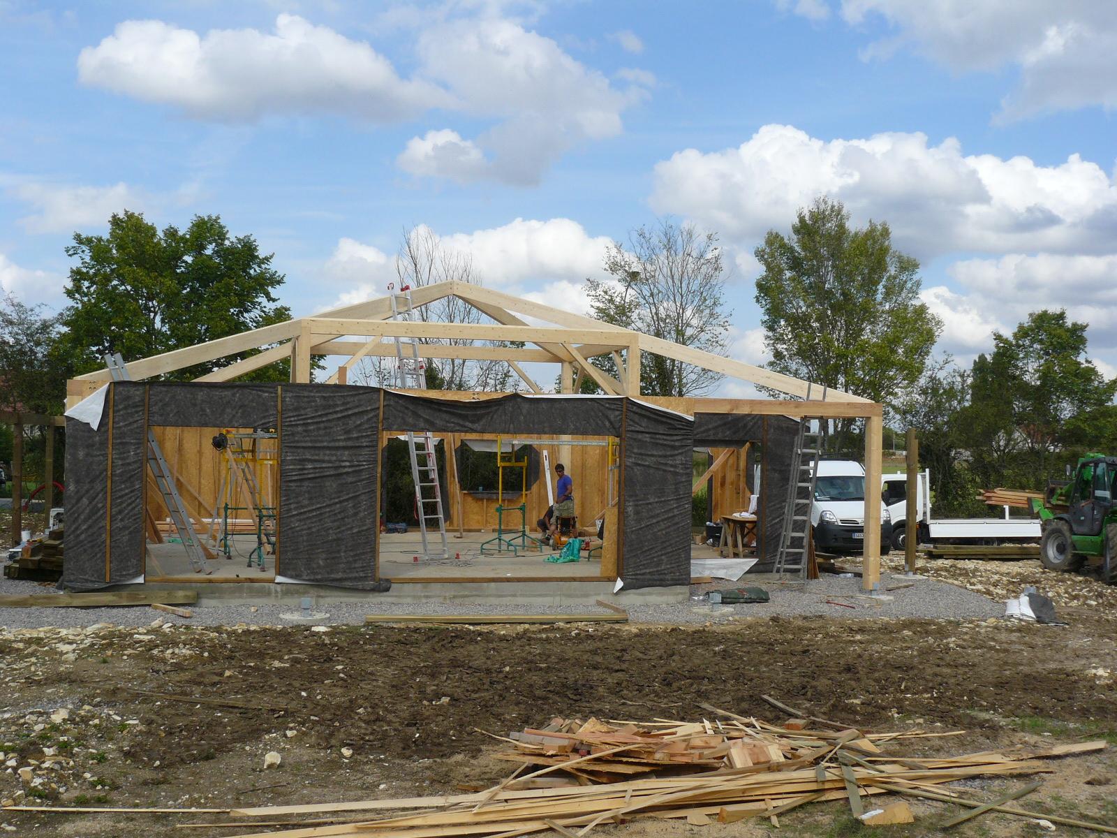 Fazele constructive ale unei case din lemn la cheie NATURAL LIVING - Poza 20