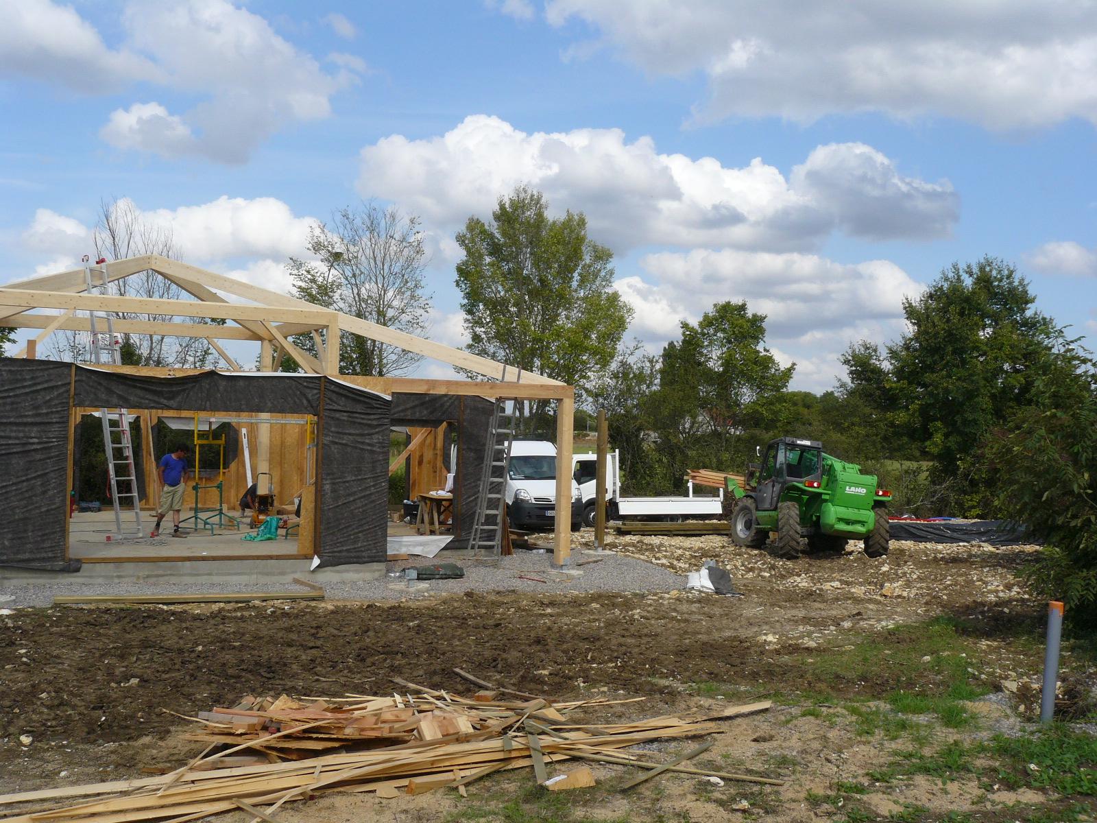 Fazele constructive ale unei case din lemn la cheie NATURAL LIVING - Poza 21