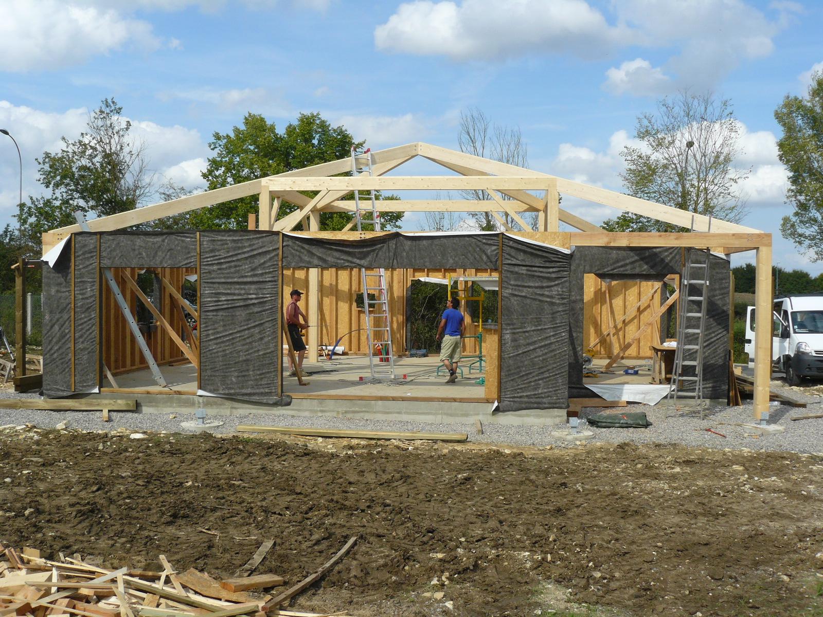 Fazele constructive ale unei case din lemn la cheie NATURAL LIVING - Poza 22