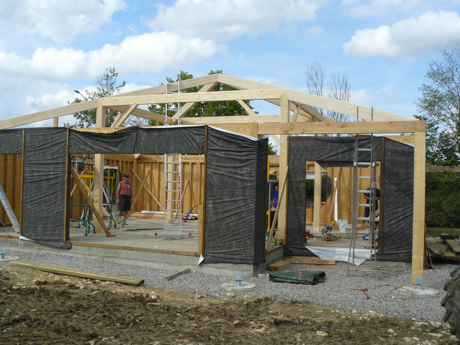 Fazele constructive ale unei case din lemn la cheie NATURAL LIVING - Poza 23