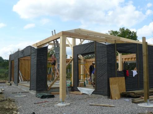 Fazele constructive ale unei case din lemn la cheie NATURAL LIVING - Poza 24