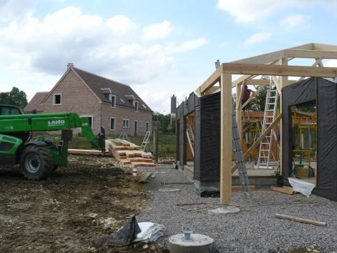 Fazele constructive ale unei case din lemn la cheie NATURAL LIVING - Poza 25