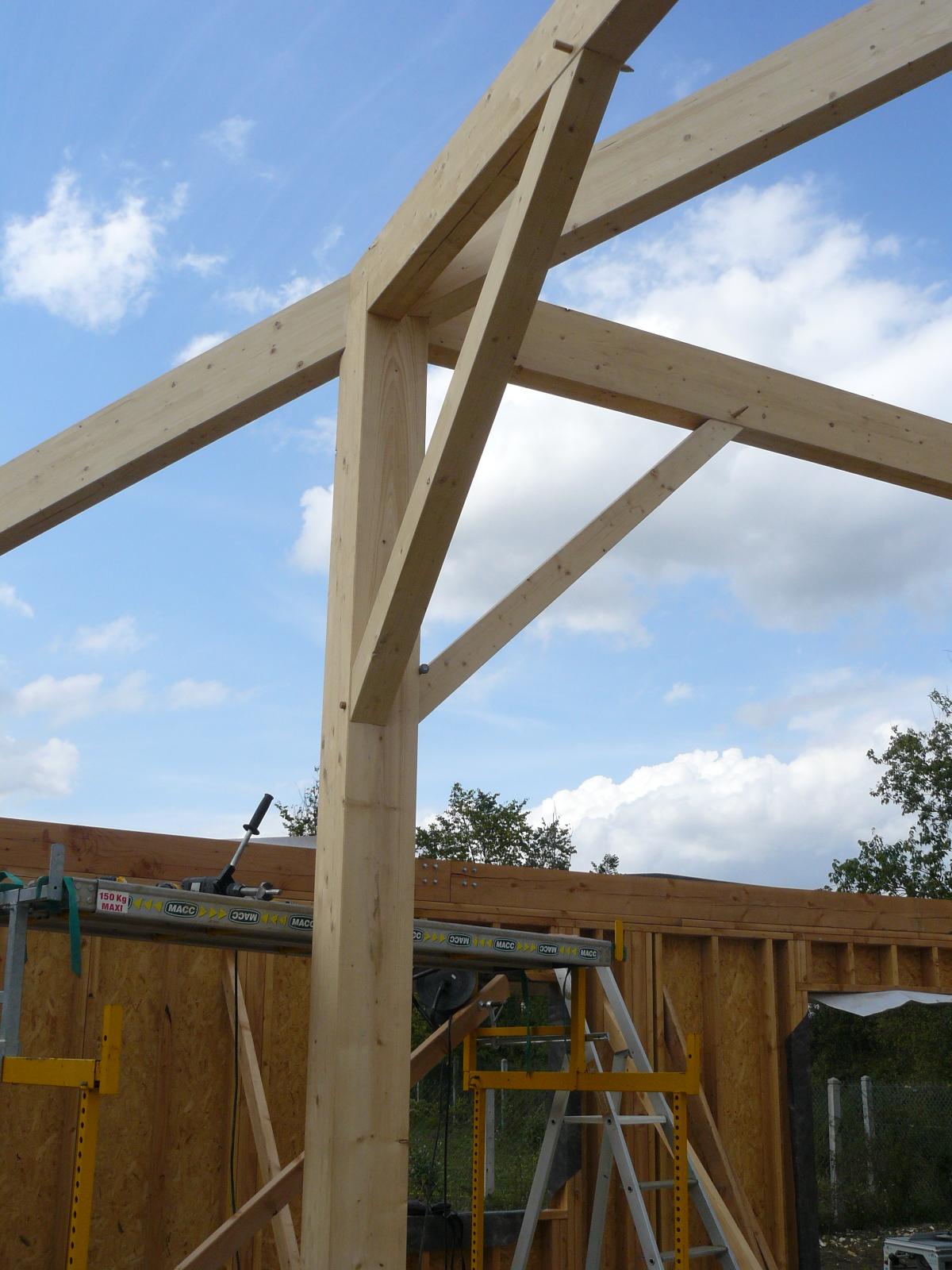 Fazele constructive ale unei case din lemn la cheie NATURAL LIVING - Poza 28