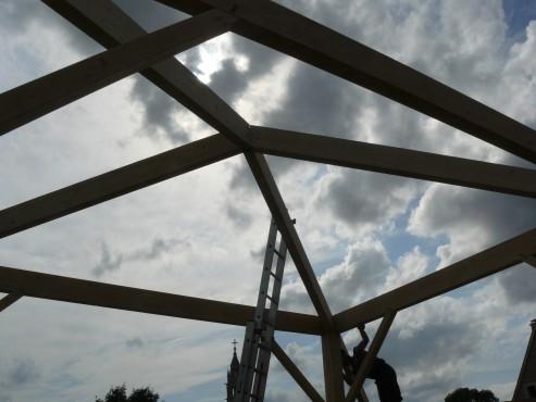 Fazele constructive ale unei case din lemn la cheie NATURAL LIVING - Poza 31