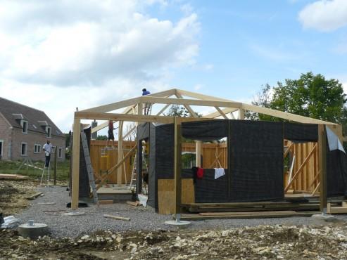 Fazele constructive ale unei case din lemn la cheie NATURAL LIVING - Poza 33