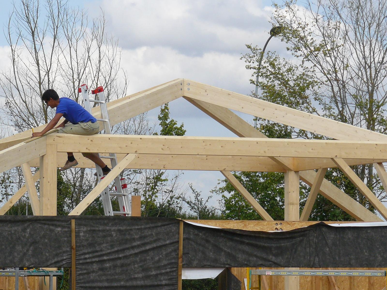 Fazele constructive ale unei case din lemn la cheie NATURAL LIVING - Poza 40