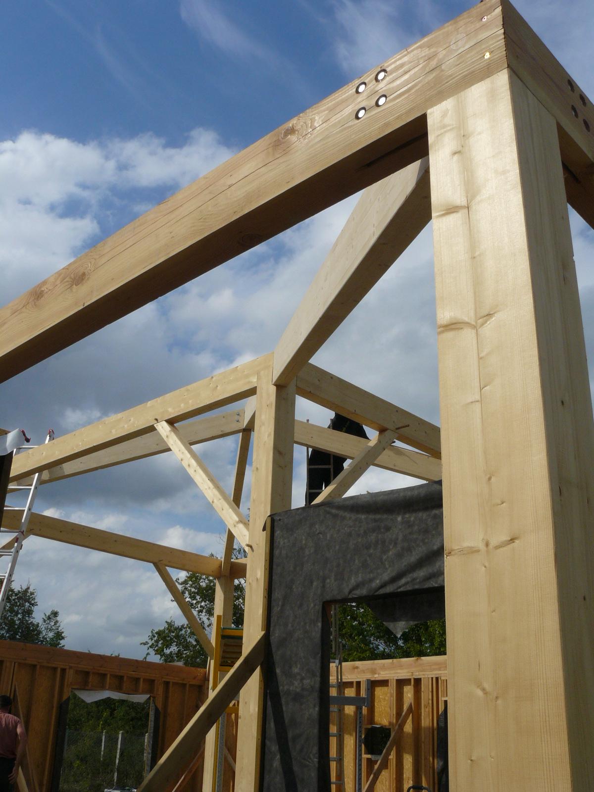 Fazele constructive ale unei case din lemn la cheie NATURAL LIVING - Poza 41