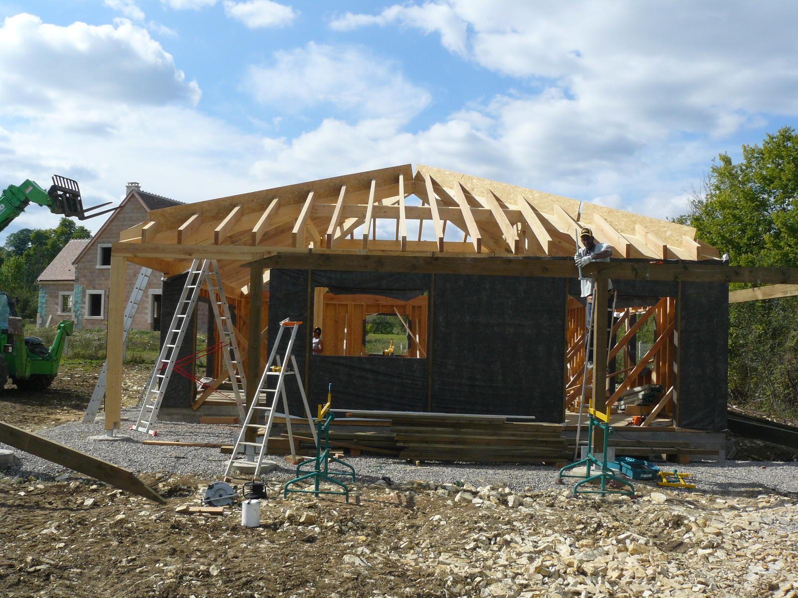 Fazele constructive ale unei case din lemn la cheie NATURAL LIVING - Poza 42