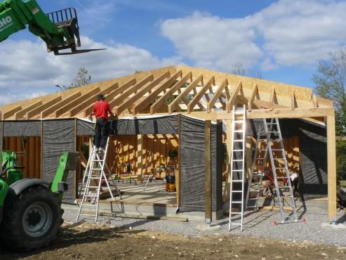 Fazele constructive ale unei case din lemn la cheie NATURAL LIVING - Poza 43