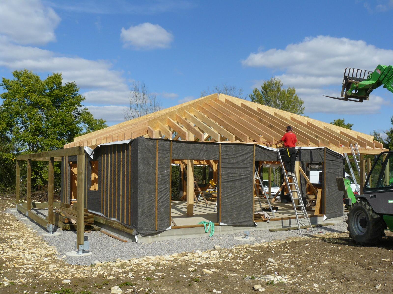 Fazele constructive ale unei case din lemn la cheie NATURAL LIVING - Poza 44