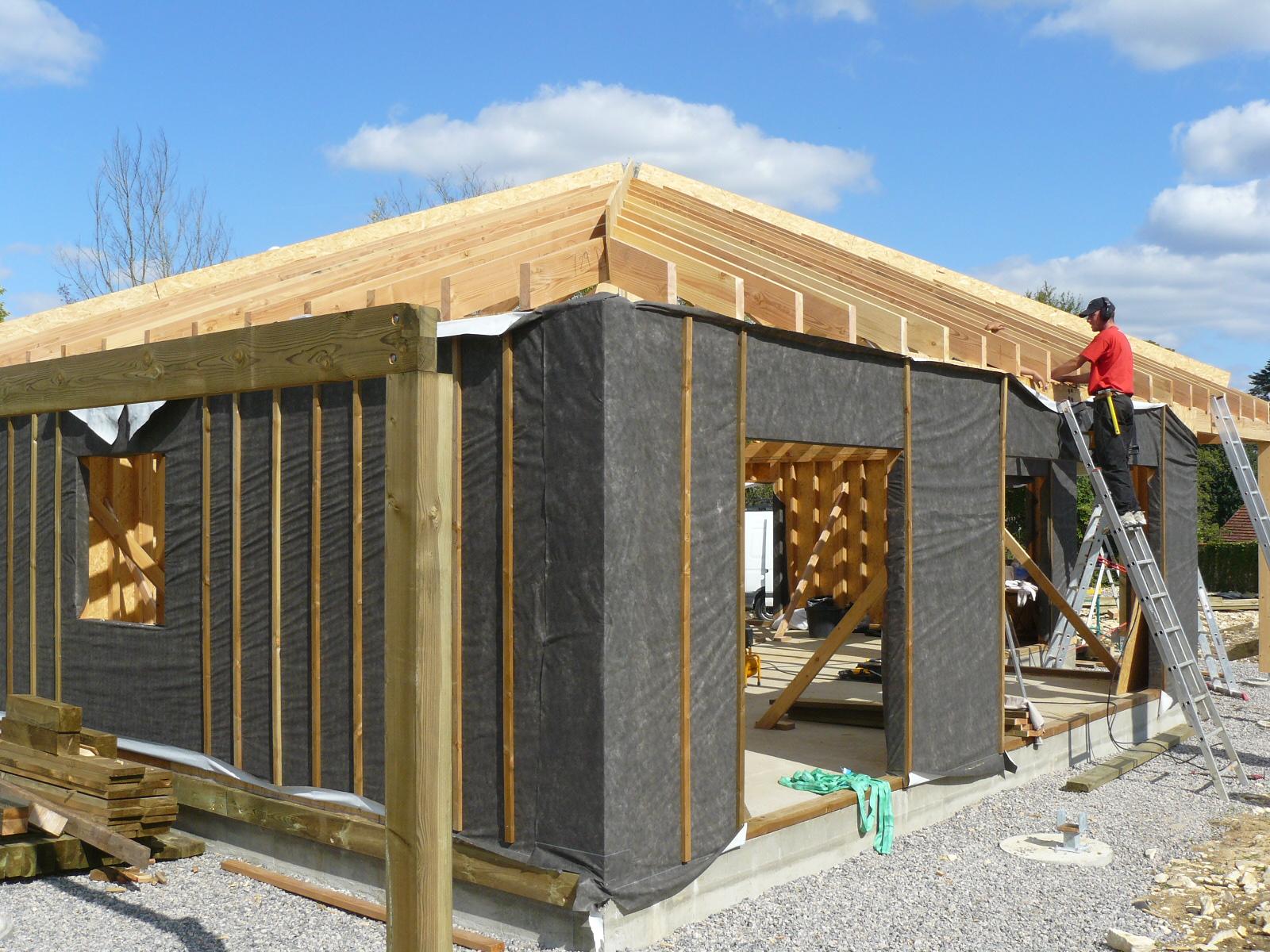 Fazele constructive ale unei case din lemn la cheie NATURAL LIVING - Poza 45