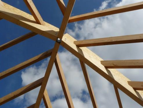 Fazele constructive ale unei case din lemn la cheie NATURAL LIVING - Poza 48