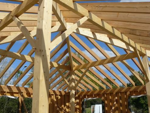 Fazele constructive ale unei case din lemn la cheie NATURAL LIVING - Poza 50