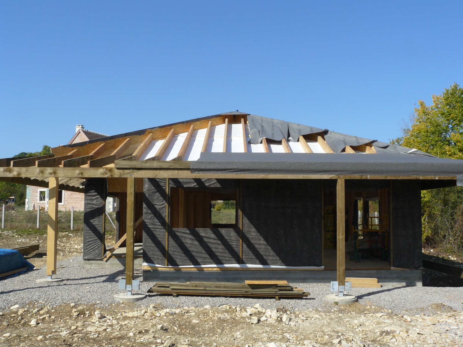 Fazele constructive ale unei case din lemn la cheie NATURAL LIVING - Poza 61