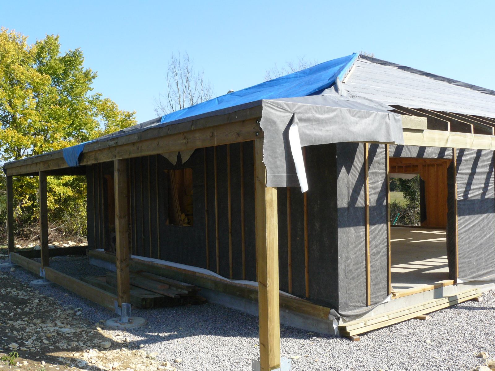 Fazele constructive ale unei case din lemn la cheie NATURAL LIVING - Poza 63