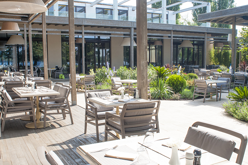 Mese, scaune exterior - Restaurant AGO Herastrau SENSIO - Poza 1