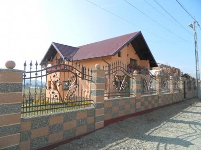 Gard spalat rosso verona/gri panou sah Spalat Gard modular din beton