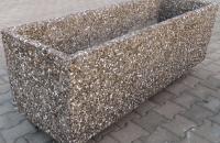Jardiniere si ghivece decorative Prefabet ofera o gama variata de jardiniere si ghivece din beton, potrivite pentru curti, parcuri, strazi, parcari dar si spatii cu destinatie comerciala.