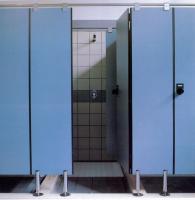 Compartimentari de grupuri sanitare, vestiare ARPA INDUSTRIALEne pune la dispozitie cea mai buna dimensiune de placa pentru executia compartimentarilor de grupuri sanitare, ARPA XXL - 4300 * 1850mm. Datorita acesteia, putem realiza atat compartimentari de buget, cu inaltime sub 2000mmm, cat si compartimentari conforme cu ultimele standard europene in materie de intimitate si siguranta, cu inaltimi mai mari de 2100mm.
